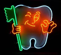 Neon dentist's sign